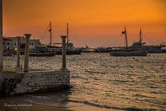 Mykonos's sunset (Bouhsina Photography) Tags: mykonos grece bouhsina bouhsinaphotography coucher soleil canon 5dii été 2017 vacances bateau voilier plage rivage
