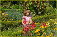 Anne-Moni ... (Kindergartenkinder) Tags: schlossanholt dolls himstedt annette park kindergartenkinder sommer wasserburg annemoni isselburg garten