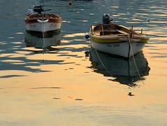 Barques au soleil levant (Raymonde Contensous) Tags: montenegro crnagora budva petrovac port mer bateaux meradriatique leverdesoleil nature paysage côte barques