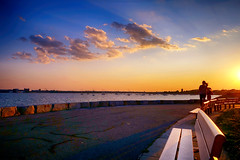 Sun setting at Head Island (brooksbos) Tags: brooks brooksbos harbor headisland pleasurebay bay sunset evening boston sonyrx100 rx100ii rx100 sony southboston citypoint