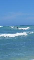 Catching the waves (twobit94) Tags: surfin nozo hiro james brian whiteplainsbeach okinawavisitsoahu