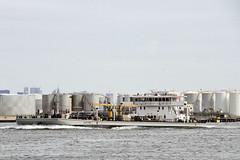 r_170921278_beat0057_a (Mitch Waxman) Tags: killvankull mvhuntspointimo9648049 newyorkcity newyorkharbor sludgeboat statenisland newyork