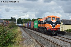073 passes Drumcondra, 23/8/17 (hurricanemk1c) Tags: railways railway train trains irish rail irishrail iarnród éireann iarnródéireann 2017 generalmotors gm emd 071 073 retrotrain iwtliner industrialwarehousingandtrading drumcondra 0815ballinanorthwall