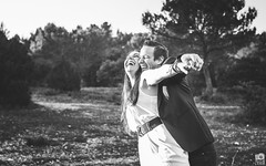 Have fun (Guillaume.PhotoLifeStyle) Tags: avignon amour extérieur guillaumeg outside outdoor lumièrenaturelle portrait photolifestyle pentax provence sigmaart35mmf14 smile laughing fun funny couple love engagement france french femme homme man woman wwwfacebookcomphotolifestyle wedding bw beautiful nb naturallight nature rire imthekingoftheworld joy joie francherigolade