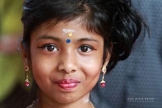 Petite fille fête de Ganesh.