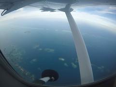 Flying from Belize City to San Pedro Sula (Honduras) (sampuls) Tags: honduras cusuco operation wallacea fieldwork volunteering wildlife tavel international flight tiny plane view islands belize