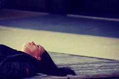 Snow White (CoolMcFlash) Tags: woman sleeping tired portrait person canon eos 60d beautiful softtones retro tones frau schlafen müde liegen schönheit fotografie photography tamron b008 18270