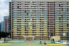 Foto Shooting in the Sun - Hongkong 52/188 (*Capture the Moment*) Tags: 2017 architecture architektur building courtyard estate facades fassaden fenster fotowalk gebäude himmel hochhaus hochhäuser hongkong houses häuser innenhof intothesky sky skyscraper sonya7m2 sonya7mii sonya7mark2 sonya7ii sonyfe1635mmf4zaoss sonyfe41635 sonyilce7m2 wolken indenhimmel modern