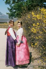 Sisters @ Gyeongbokgung Palace (eekiem) Tags: korea seoul gyeongbokgung palace korean asian girls sisters hanbok olympus penf