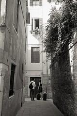 img005 (Yu,Tsai) Tags: leica m2 leicam2 film kodaktrix400 iso400 gtx970 bw モノクロ italy italia venizia イタリア 法國學料理那十個月 leitz summilux114352st 35mm