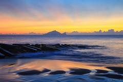 Guishan Island~Sunrise~宜蘭永鎮~龜山島日出~ (Estrella Chuang 心星) Tags: 日出 sunrise 宜蘭 永鎮 龜山島 sky water estrella 心星