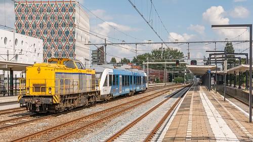 Gouda Shunter 203 102 met Arriva Lint 34 Vechtdallijnen