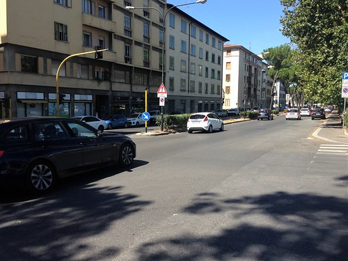 Main road, Florence