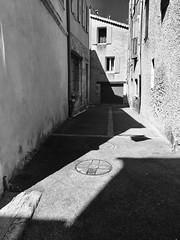 #shadows #shadowsandlight #blackandwhitephotography #blackandwhite #noiretblanche #monochrome #minimalism #summer #provence #montventoux (jamiemacpherson359) Tags: shadows shadowsandlight blackandwhitephotography blackandwhite noiretblanche monochrome minimalism summer provence montventoux