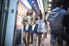Hot Summer Night (人間觀察) Tags: leica m240p leicam leicamp f20 f2 hong kong street photography people candid city stranger mp m240 public space walking off finder road travelling trip travel 人 陌生人 街拍 asia girls girl woman 香港 wide open ms optics apoqualiag 28mm apoqualia optical night