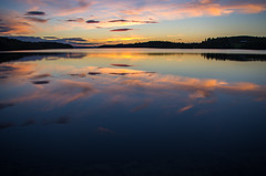 another lake another sunset (ΞSSΞ®®Ξ) Tags: ξssξ®®ξ pentax k5 2017 hälsingland sweden sverige outdoor evening landscape colors sky sunset smcpentaxda1855mmf3556alwr light lake water reflection silhouette