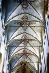 //: (roberke) Tags: plafond seiling kerk church symmetrie lijnenspel licht indoor paintings old oudenaarde sintwalburgakerk interieur interior