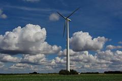 Wolkenbildung vom feinsten ;-) (baerchen57) Tags: natur licht farben wolken windrad himmel felder
