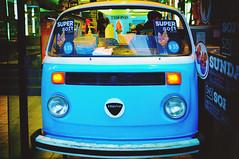 DSCF1201LR (Charly Amato) Tags: argentina argentine buenosaires laplata sudamérica street streetphoto urbano urban fuji fujifilm x100 vw old antiguo car auto camioneta van celeste light blue