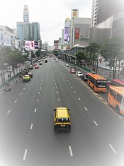 Sunday traffic (SM Tham) Tags: asia southeastasia thailand bangkok city cityscape street road vehicles cars buses buildings trees billboards advertisements pedestrians people outdoors streetscene taxi