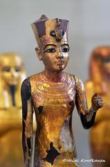 Restored statuette of Tutankhamun (konde) Tags: tutankhamun 18thdynasty newkingdom kv62 statuette gilded redcrown ancientegypt thebes valleyofthekings cairomuseum restored naos