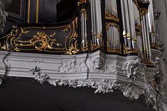 Dordrecht, Zuid-Holland, Grote Kerk, main organ, detail (groenling) Tags: dordrecht dordt zuidholland netherlands nederland nl grotekerk orgel organ hoofdorgel case kast orgelkast façade front wood carving woodcarving hout snijwerk houtsnijwerk rugwerk rugpositief positief positive