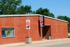 Ladd Lanes - Ladd, Illinois (Cragin Spring) Tags: illinois il midwest unitedstates usa unitedstatesofamerica building bowling bowlingalley sign laddlanes laddil laddillinois ladd