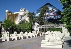 Las Vegas Strip - Luxor Hotel (zorro1945) Tags: lasvegas vegas lasvegasstrip thestrip luxorhotel luxor sphinx nevada usa unitedstatesofamerica pyramid blackpyramid entrance flickrunitedaward