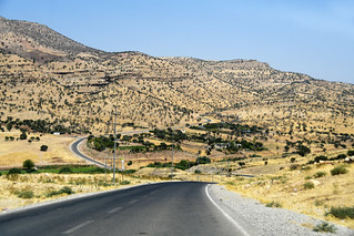 Driving from Sulaymaniyah to Lake Dokan / Iraqi Kurdistan