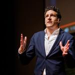 Enzo van Steenbergen bij het Festival van de Journalistiek 2017 thumbnail