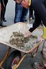 Blanding af læskemørtel (theabech) Tags: trondhjem nordiskforumforbygningskalk kalk workshop nigelcopsey læskemørtel
