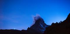 le blues du Cervin / Matterhorn blues (Make our PLANET great again !) Tags: suisse switzerland valais zermatt cervin matterhorn nuit night rochers rocks lumière light étoiles stars nikon