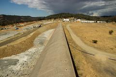Oroville Dam: Emergency Weir (Dan Brekke) Tags: orovilledam oroville california featherriver dams sacramentovalley