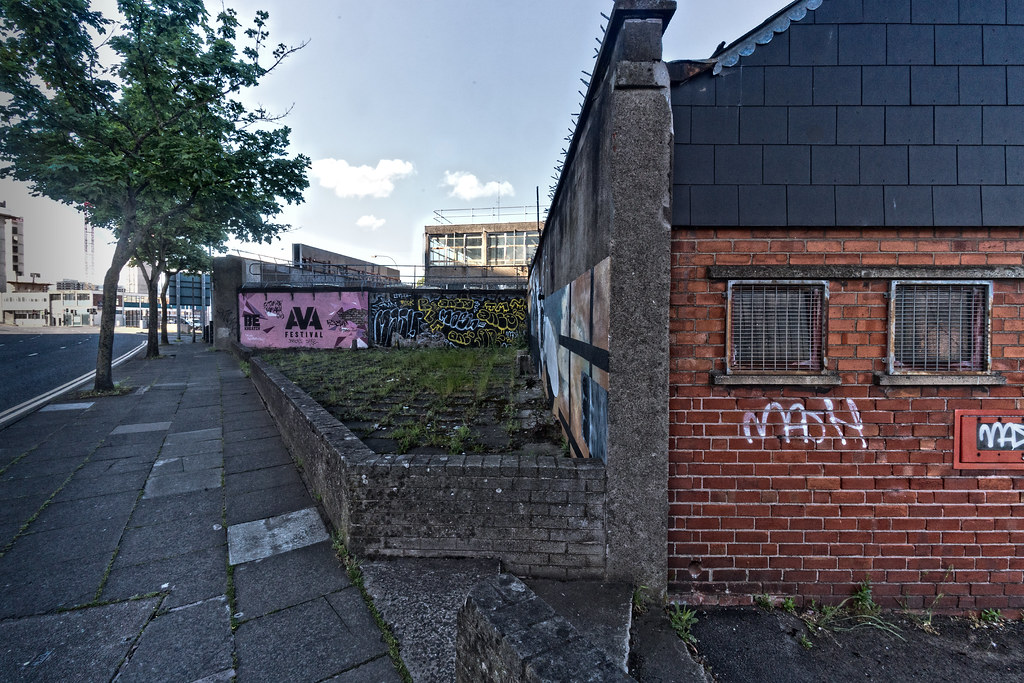 URBAN EXPRESSION AND DEPRESSION IN BELFAST [DERELICT SITE DUNBAR LINK - GREAT PATRICK STREET]--132964