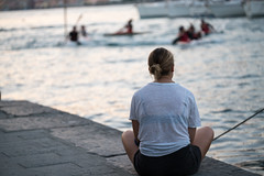 Watching your game (Russosalv) Tags: watching lerici pacefull mariner pace sunset bokeh particular woman port watherpolo laspezia lady game marine sea liguria italy it