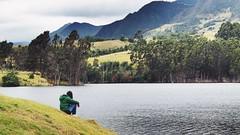 Pensando a la orilla del lago... (miilenaromero) Tags: sentada persona montañas hato landscape paisaje verde sit person lago boyacá colombia embalse