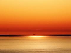 Reflejos del amanecer (Antonio Chacon) Tags: andalucia amanecer costadelsol cielo marbella málaga mar mediterráneo españa spain sunrise