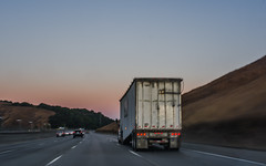 dawn delivery (pbo31) Tags: bayarea california nikon d810 color september fall 2017 boury pbo31 truck 580 dawn sunrise highway motionblur infinity orange roadway driving alamedacounty eastbay dublin castrovalley hills