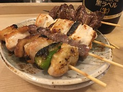 Assorted chicken skewers from Ise @ Kanda (Fuyuhiko) Tags: assorted chicken skewers from ise kanda 伊勢 本店 神田 焼鳥 東京 tokyo