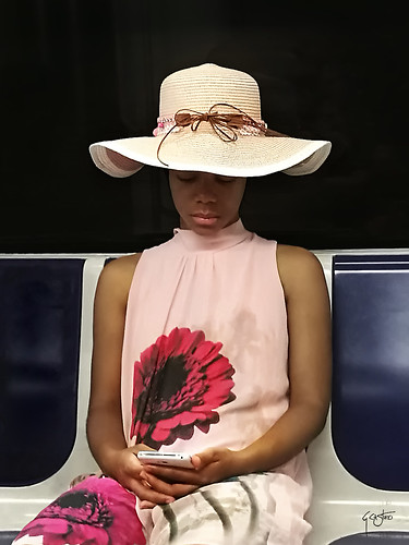 semana_07_foto-chica del metro