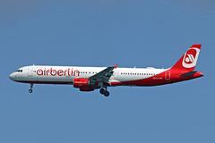 A321-211 OE-LCJ NIKI\AIR BERLIN (shanairpic) Tags: jetairliner lanzarote arrecife a321 airbusa321 niki airberlin oelcj