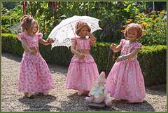 Treffpunkt Schlossgarten ... (Kindergartenkinder) Tags: schlossanholt dolls himstedt annette park kindergartenkinder sommer wasserburg annemoni sanrike tivi isselburg garten