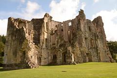 DSC_1718 (amoamas07) Tags: oldwardourcastle englishheritage castle ruin