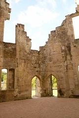 DSC_1681 (amoamas07) Tags: oldwardourcastle englishheritage castle ruin