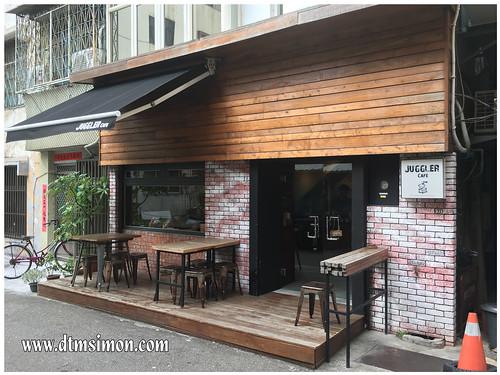 JUGGLER CAFE01.jpg