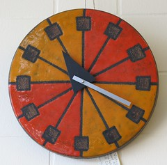 Howard Miller Ceramic Wall Clock at Antiques Colony in San Jose (hmdavid) Tags: vintage antiquescolony sanjose ceramic clock howardmiller italy georgenelson
