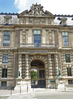 2017.07.14.052 PARIS - Le Louvre, la Porte aux Lions