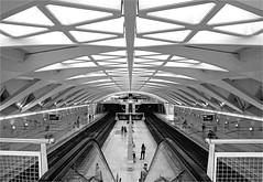 Estación de Alameda (3) (leuntje) Tags: valencia spain espagne architecture metrostation estacióndealameda santiagocalatrava calatrava alameda subwaystation bw