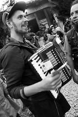Festival CompArte 2 (Pedro Jacobo López) Tags: chiapas festivalcomparte vacaciones arte méxico sancristobaldelascasas música festival blanco y negro bw blackaandwhite musician art