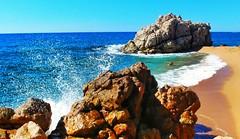 Platja de Roca Grossa a Calella (bertanuri bcn) Tags: playa beach platja spiaggia calella barcelona mediterrani mediterrania mediterranee mediterraneo agua acqua water eau sorra arena cataluña catalunya catalonia